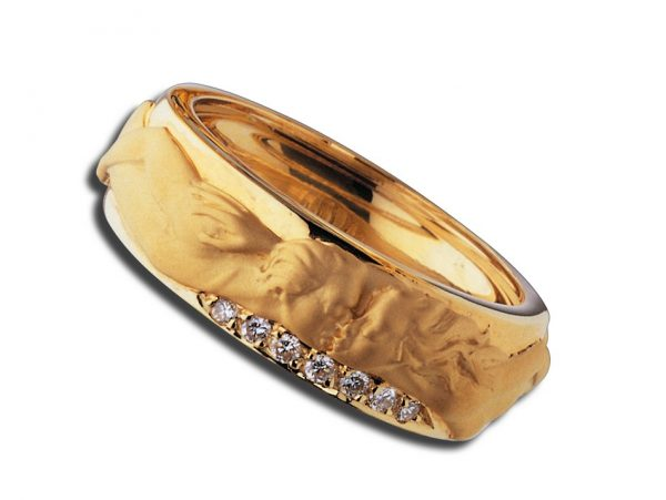 newDA06762 010101 Promesa ring in yellow gold and diamonds